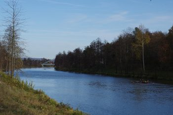 November-Tagesfahrt auf dem Kanal