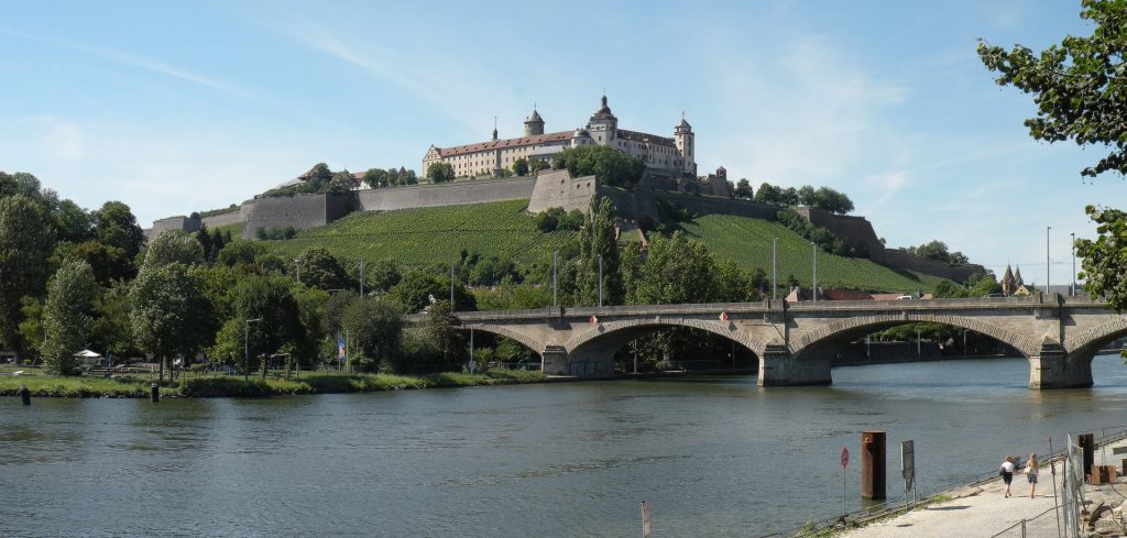 "Festung Marienberg - Bild von Vitold Muratov Lizenz: <a href=""https://creativecommons.org/licenses/by-sa/3.0/deed.de"">CC BY-SA 3.0</a>"
