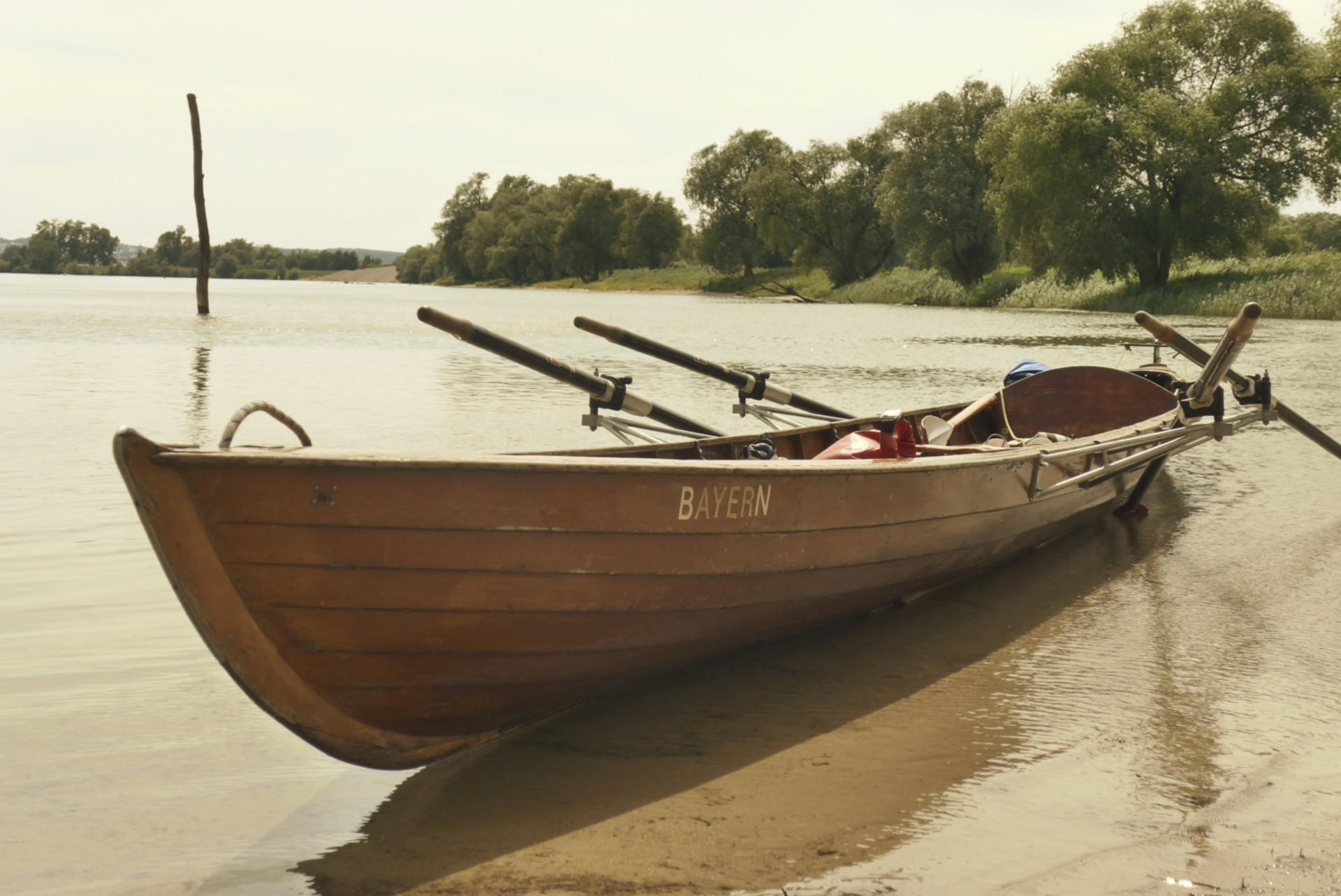 """Boot """"Bayern"""" auf der Donau"""