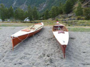 Die Boote in ihrem Nachtlager…