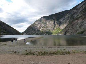 Niedrigwasser in Lærdalsøyri