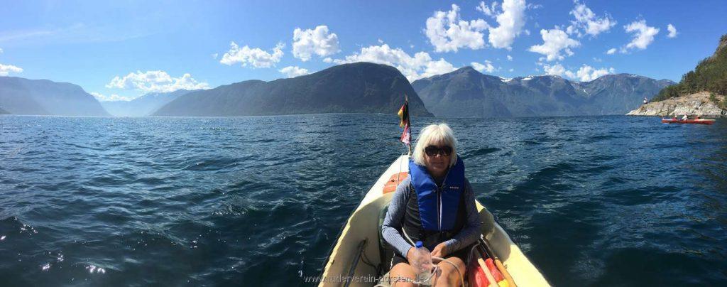 Panorama – links geht es in den Aurlandsfjord, wo wir tags zuvor herkamen