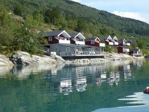 Holzhäuser am Wasser