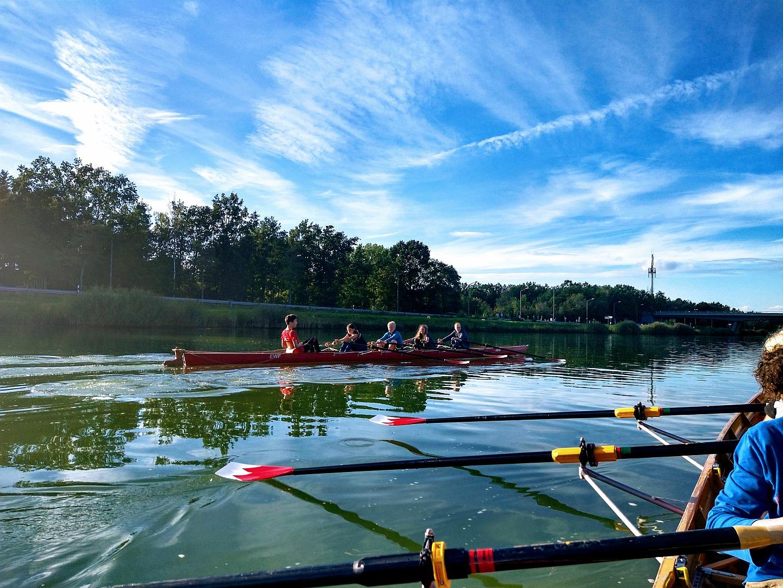 Jugendrudern auf dem Main-Donau-Kanal in Erlangen